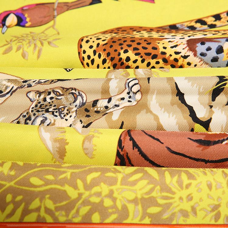 hermes(爱马仕) 黄底老虎豹子动物图案丝巾90图片