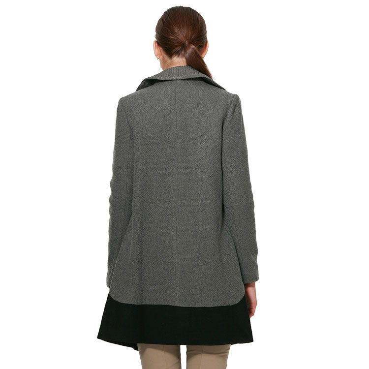 烟灰色外套围巾搭配图
