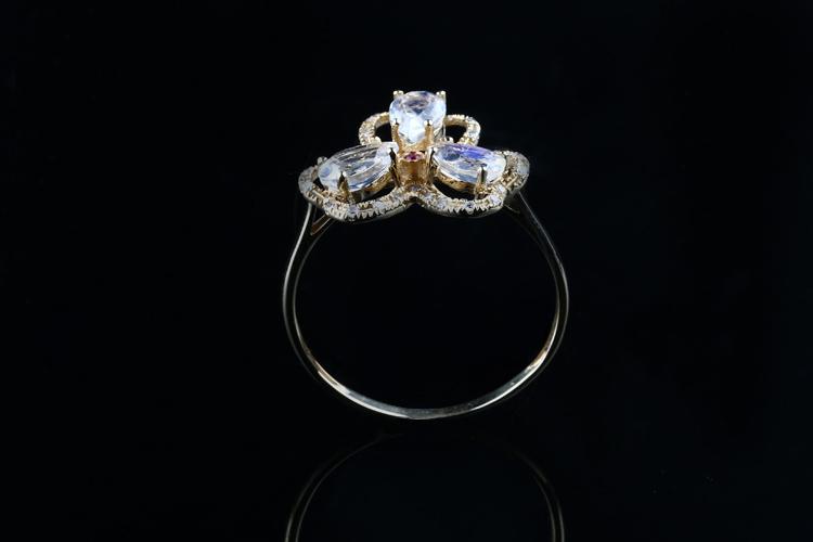u/爱欧珠宝 天然月光石(月长石)宝石戒指 18k金伴钻镶嵌水滴形钻面蓝