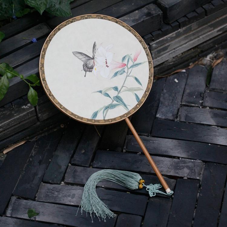 lijing/李晶 手绘百合蝴蝶团扇