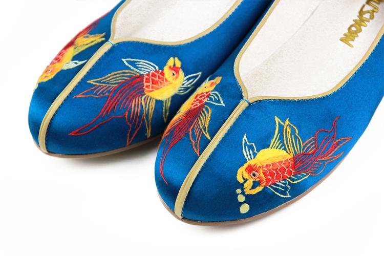 手工苏绣小金鱼真丝缎中式鞋